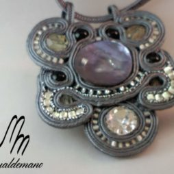 Colgante-broche soutache 77