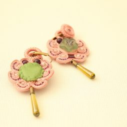 Soutache 157 pendientes rosas y verdes