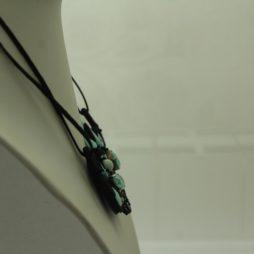 collar de soutache negro verde agua swarovski y nacar