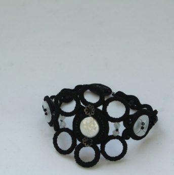 Pulsera soutache perla y negra 255